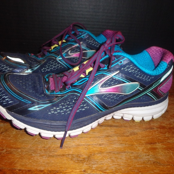 a9d3246ed65 Brooks Ghost 8 Running Shoes Women s Size 11